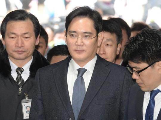 三星电子副会长李在镕月底访问越南