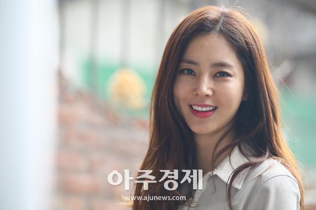 [AJU★피플] 배우 한채아, 차세찌와 열애 인정→임신·결혼→득녀…새로운 인생의 시작
