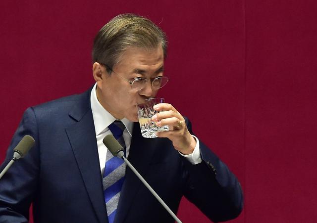 문 대통령, 11월 정국 고심...경제·비핵화프로세스·여야 협치 난제