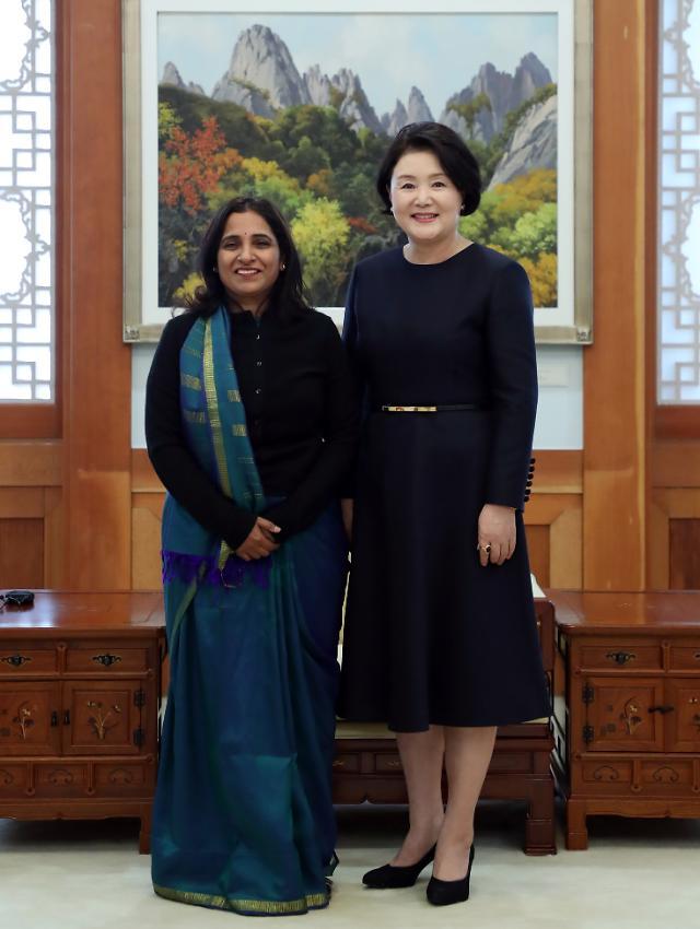 韩第一夫人会见印度大使