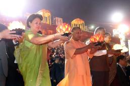 .第一夫人出席印度排灯节开幕式.