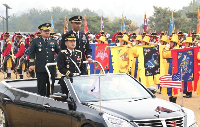 驻韩美军司令布鲁克斯卸任