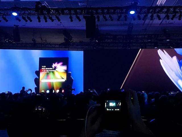 삼성 폴더블폰 내년 출시… 애플·화웨이 등 경쟁업체는 어디까지 왔나?