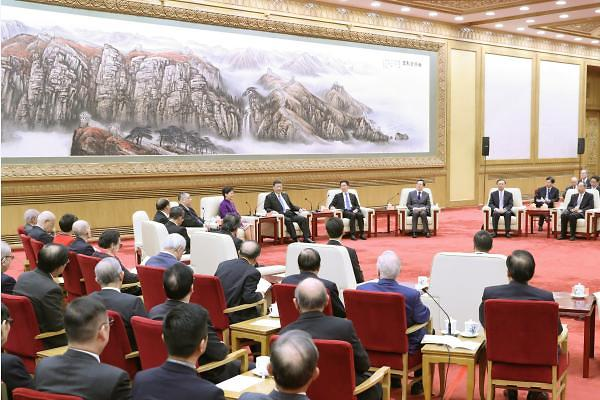 """[중국포토] 홍콩·마카오 방문단 만난 시진핑, """"함께 중화민족 부흥 이루자"""""""
