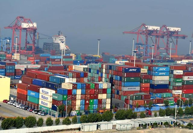 """""""중국경제 어디로…"""" 소비 둔화했지만 살아나는 생산·투자"""