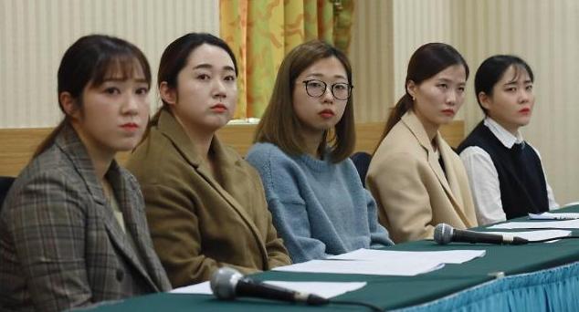 팀킴 팬 선물·공식 SNS 모두 김민정 감독단이 관리…도대체 왜?