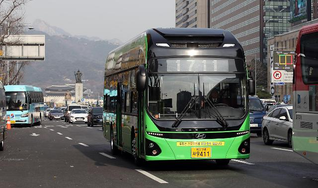首尔市引进电动公交车 减排大气污染物