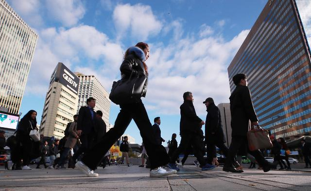 去年韩国人均年薪21万 大企业和中小企业薪资差距近18万