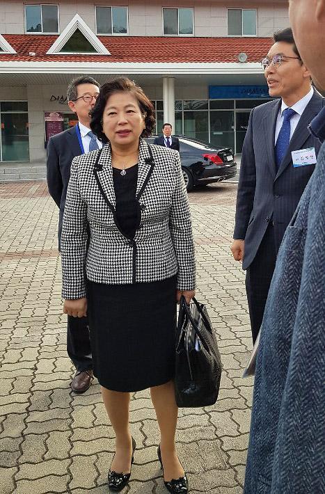 朝媒报道韩朝合办金刚山旅游纪念活动