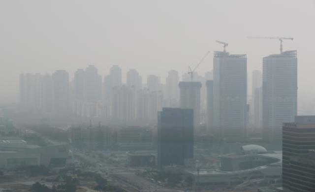 중국 모래폭풍+초미세먼지 나쁨…숨막히는 공기 미세먼지 마스크 선택법은?