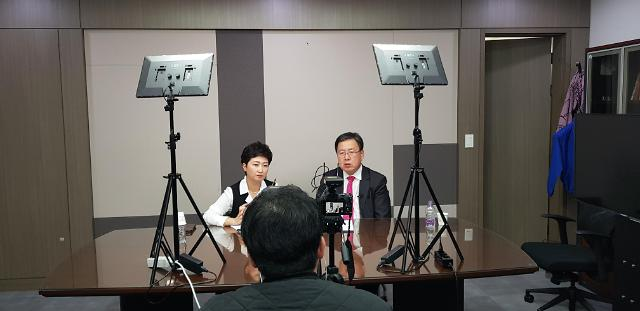 [유튜브 정치] 현역 구독자 수 1위, '이언주TV' 촬영 현장을 가다
