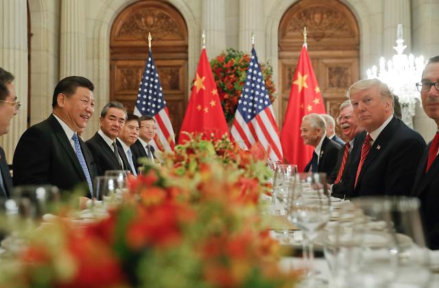 中美同意停止相互加征新的关税 中方支持朝美再次举行首脑会谈