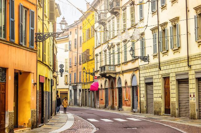 """""""既要工作也要生活"""" 葡萄牙匈牙利成近一年韩国人最关注海外旅游地"""