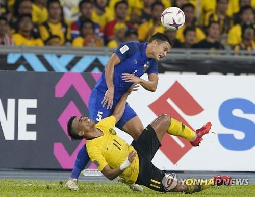 [2018 AFF 스즈키컵] 태국, 베트남 축구팀과 4강에서 만날까...말레이시아와 접전