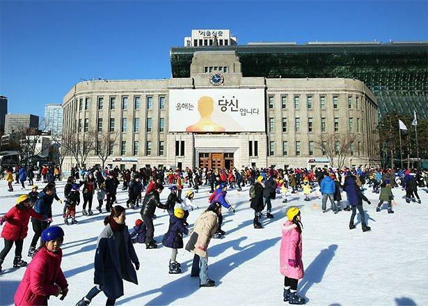 走起!首尔广场户外滑冰场21日对外开放