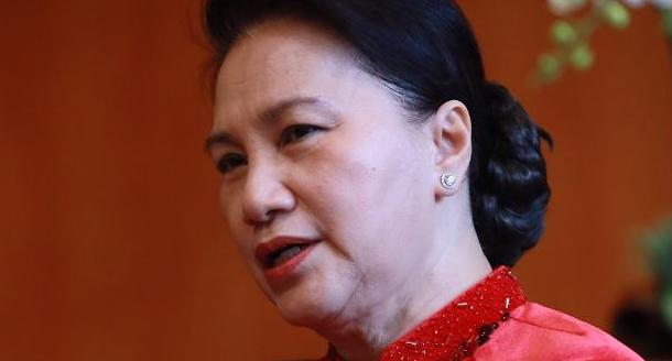 [who?] 베트남 사상 첫 여성 국회의장 응우옌티낌응언