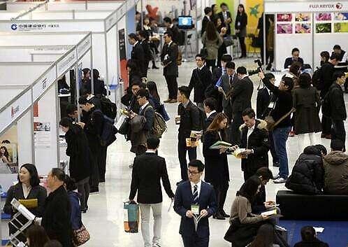 韩国中小企业雇佣外籍员工成本高 每月需投入288万韩元