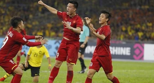 [2018 스즈키컵 결승] 박항서의 베트남, 말레이시아와 비겼다…한국 팬 홈경기 꼭 이겨라