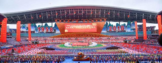 广西各族各界隆重庆祝自治区成立60周年 中共中央全国人大常委会国务院全国政协中央军委致电祝贺