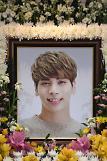 """故SHINeeジョンヒョン追悼・・・一周忌を控え、SM側""""永遠に愛しています"""""""