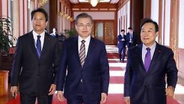 .调查:文在寅登顶韩国年度人物榜.