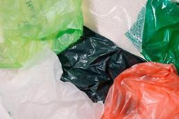 .韩限塑新规今年起实施 大型超市禁用一次性塑料袋.
