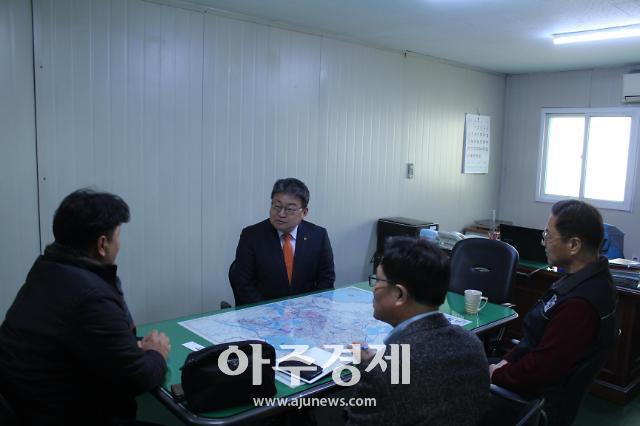 """유정배 석탄공사 사장 """"올해 연탄 수급 차질 없어"""""""