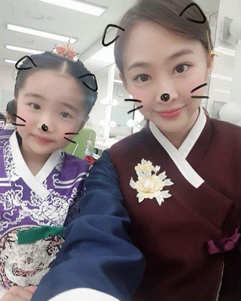 """""""보고 싶었어 달희 언니"""" 오아린x김다솜 황후의 품격서 재회"""