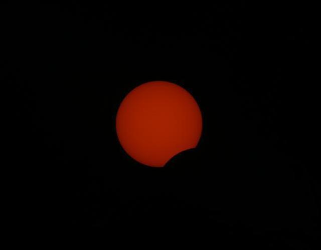 3년 만에 태양 일부 가려지는 부분일식...개기일식과 차이점은?