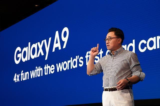 중저가폰, 프리미엄 뺨친다…삼성·LG, 불붙는 상향 평준화 경쟁