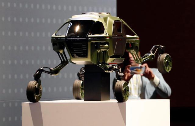 三星LG现代NAVER携机器人亮相CES