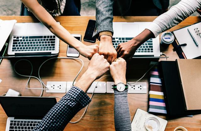 """버즈빌·밸런스히어로·오픈서베이 스타트업 3사 복지 향상…""""가고싶은 회사"""""""