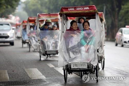 """베트남 증시, 올해는 꼭 오른다?...블룸버그 """"VN지수 18% 상승 전망"""""""