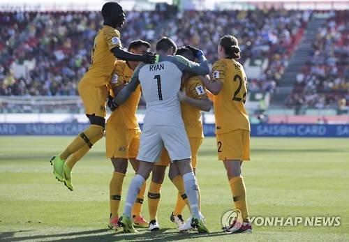 [글로벌포토] AFC 아시안컵 선제골 자축하는 호주팀
