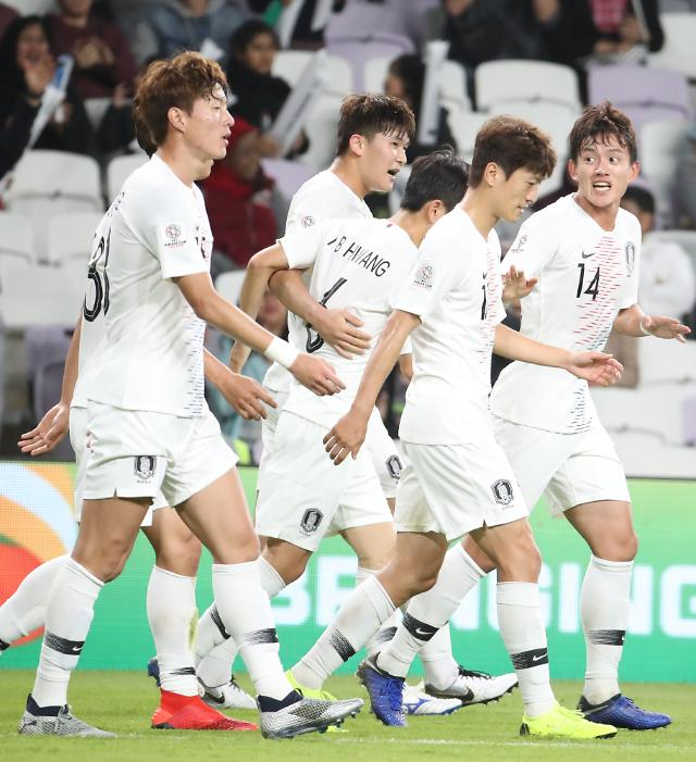 [2019 아시안컵] '김민재 헤딩골' 한국, 키르기스스탄에 전반 1-0 리드