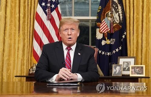 """트럼프, 최장기 셧다운 """"비상사태선언 서두르지 않을 것"""""""