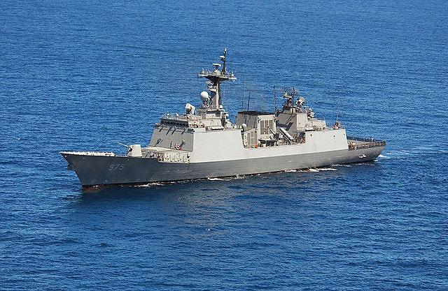 韩海军巡航训练战团访问上海吴淞军港