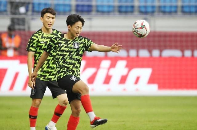[아시안컵] 한국-중국 축구 경기서 이승우 물병 걷어차…왜?