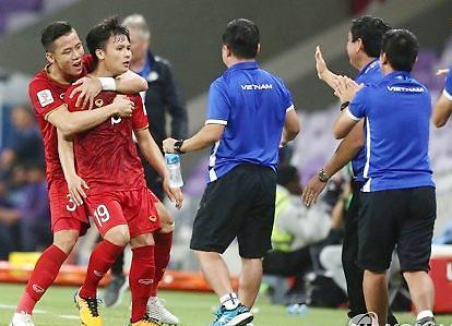[포토] 박항서 베트남 축구 16강 희망
