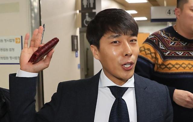 """김동성 """"살인 청부 전혀 관계없다…A씨 먼저 선물 사줘"""""""