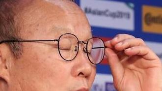 베트남 8강에 광고료 껑충·10억동 포상…박항서의 차분한 한 마디