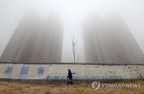 """중국 """"GDP 성장률 둔화는 미세먼지와의 전쟁 때문"""""""