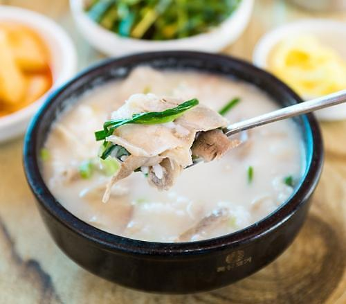 [음식 속 이야기] 탕반민족에서 탄생한 부산의 돼지국밥