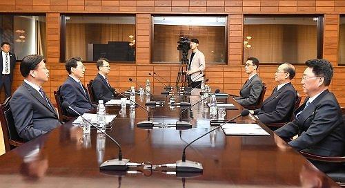 韩朝今日开会交换公路合作技术资料