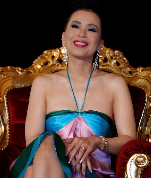 [who?]태국 왕실 역사상 첫 총리직 도전한 우본랏타나 공주