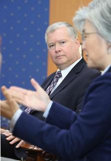 美비건, 외교부 찾아 방북 협상 설명…북·미회담 앞서 건설적 대화