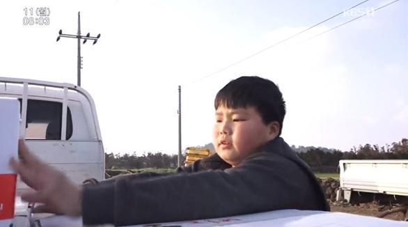 """인간극장 14세 농부 지훈이 母 """"공부보다는 농기계 탈 때 행복해한다"""""""
