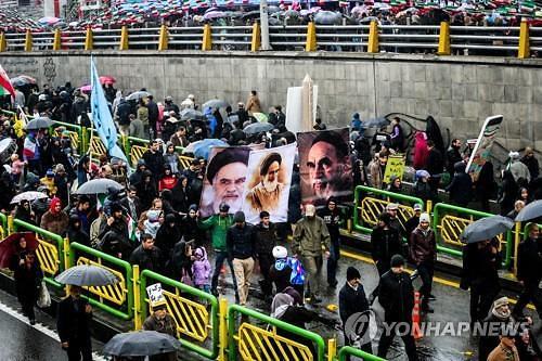 """트럼프 이란혁명 40주년 비난...이란 """"단합하면 美제재 이길 것"""""""