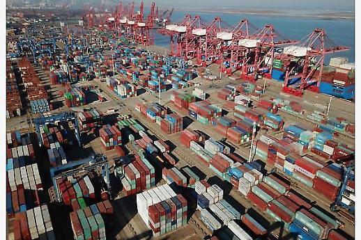 무역전쟁 영향 중국 1월 수출·수입 두달째 감소 예상
