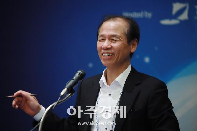 [포토] 밝게 웃는 최문순 강원도지사